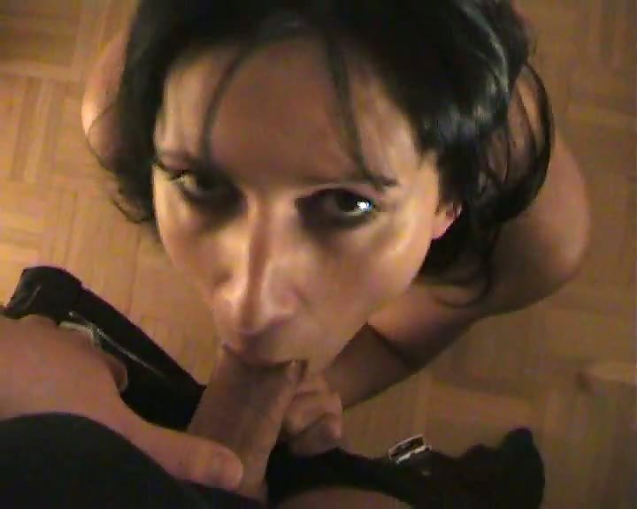 Brunette hot amateur chick giving blowjob