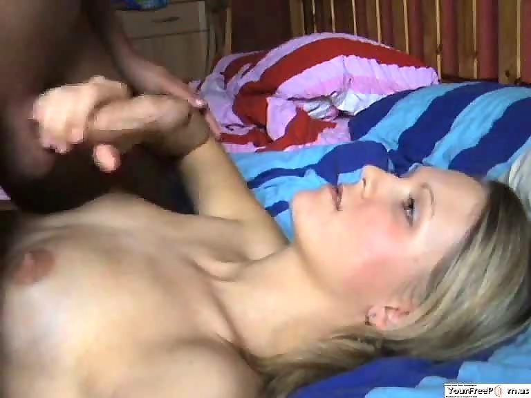 Man cumming on his girlfriends face