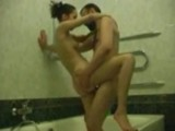 Young amateur teen gets fucked by her boyfriend in the bath tube
