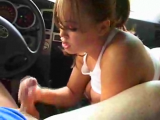Hot amateur big tited chick giving blowjob to her boyfriend in car