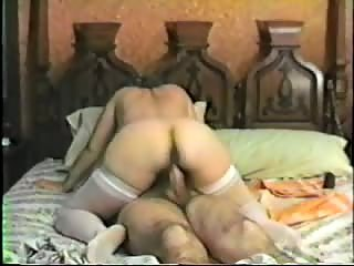 Mature woman fucked deep on bed